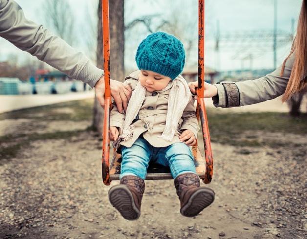طفولة ، مرأة ، مجتمع