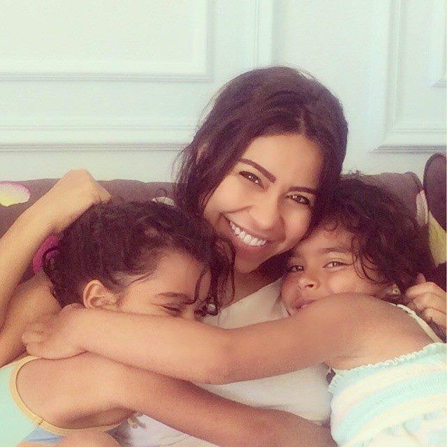 شيرين عبدالوهاب وابنتيها5