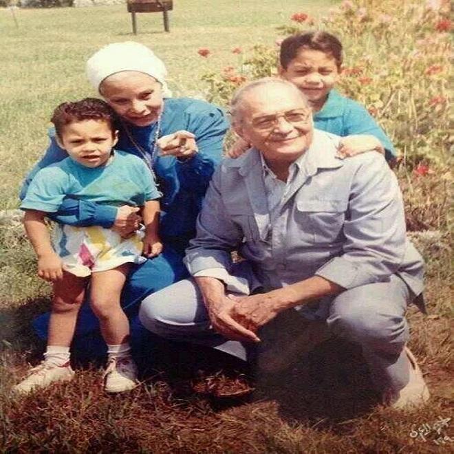 عبدالمنعم مدبولي وأحفاده