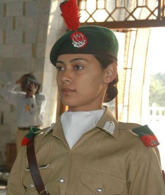 مجندات الجيش الباكستاني2