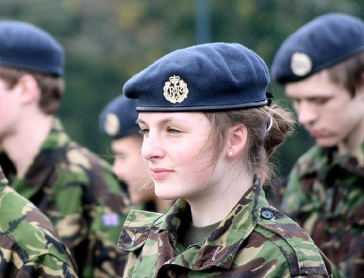 مجندات الجيش التشيكي