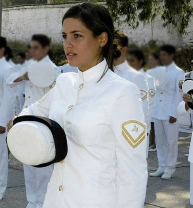 مجندات الجيش اليوناني