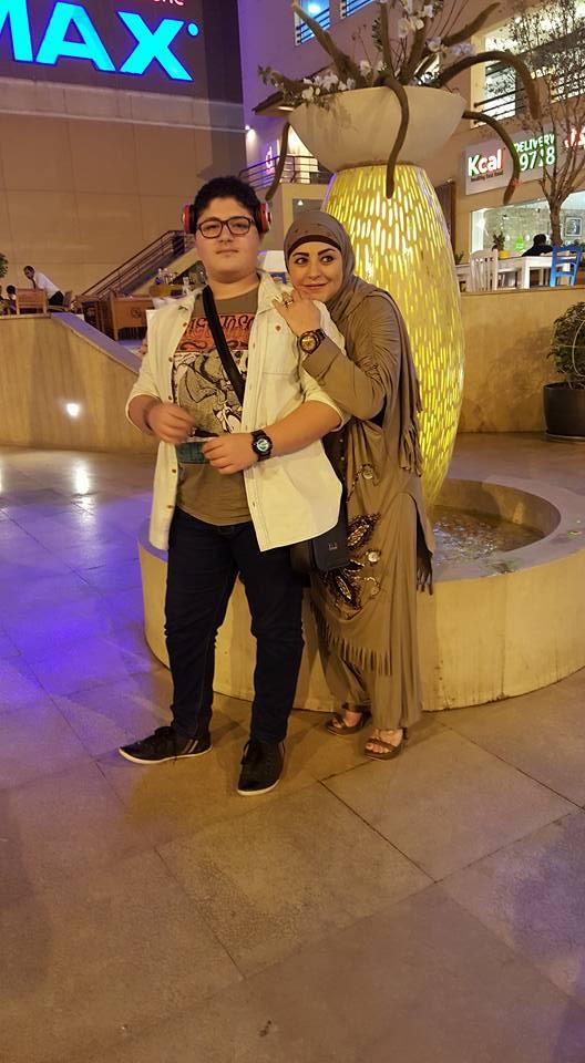 ميار الببلاوي وابنها