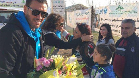 1220152205820635زيارة-كاظم-الساهر-لمخيمات-اللاجئين-(12)