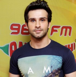 Girish Kumar Looking Smart