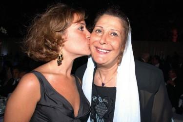 منة شلبي ووالدتها زيزي مصطفى