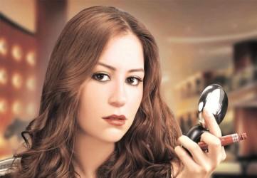 منة شلبي - بارزة
