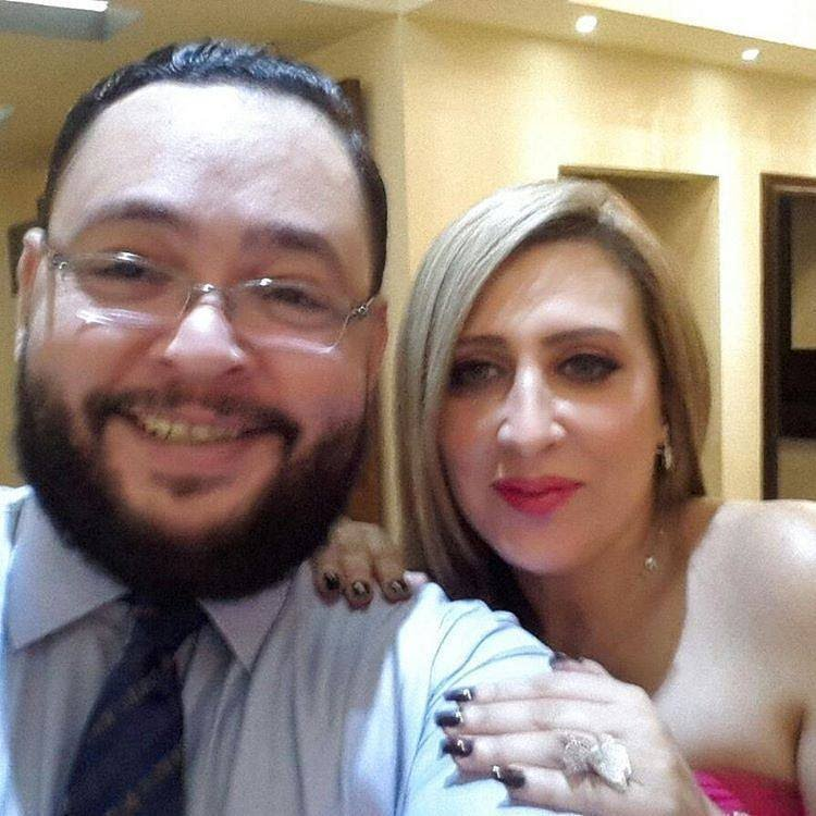 احمد رزق وزوجته