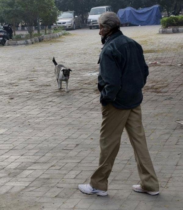 أميتاب باتشان يتنزه في شوارع نيودلهي