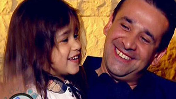كريم عبدالعزيز وابنته