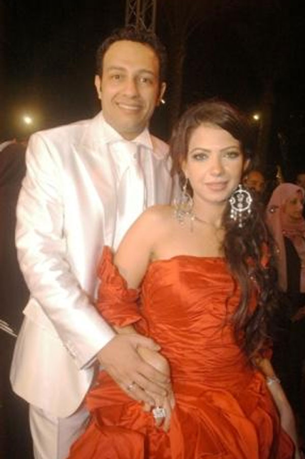 محمد عبدالحافظ وزوجته