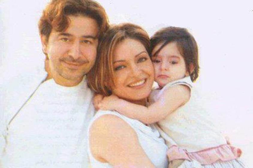 عابد فهد وزوجته زينة يازجي وأولادهما - Copy