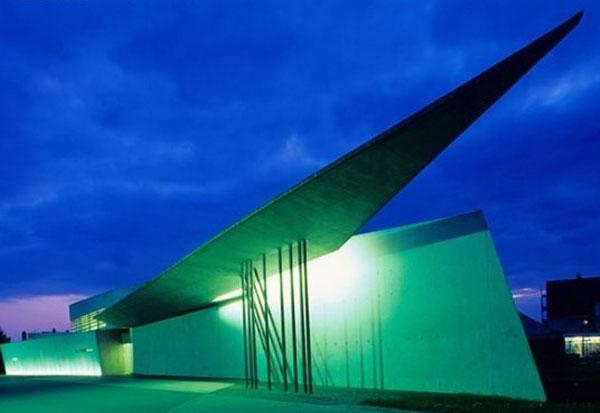 مركز فاينو للعلوم في فولفسبورغ بألمانيا (2005)