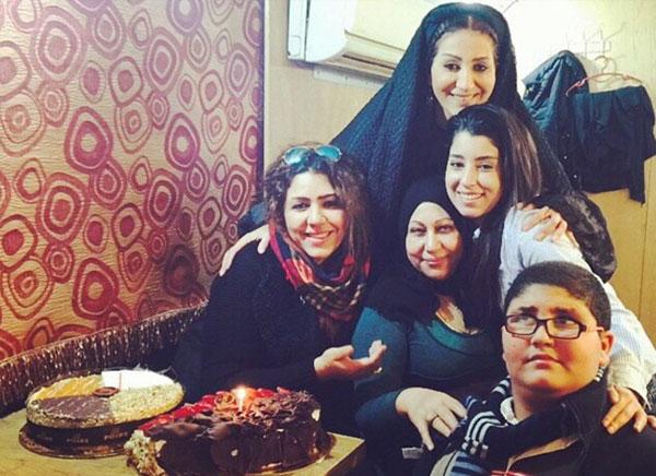 والدة وفاء عامر