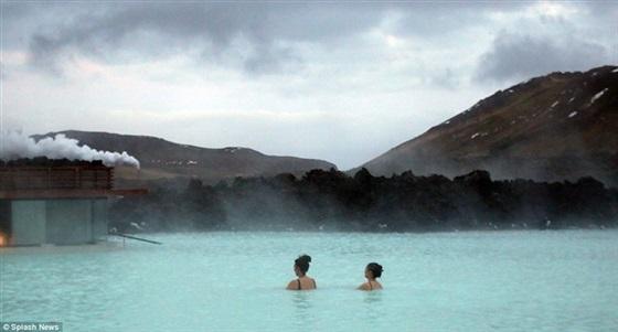 كيم كارداشيان في آيسلندا