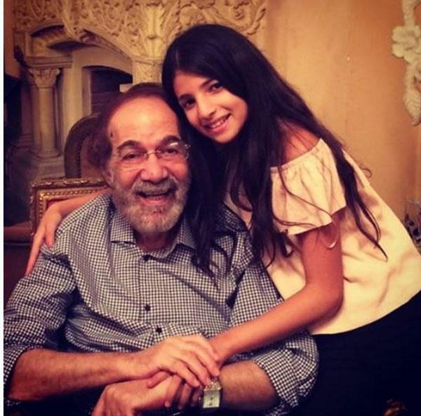 محمود ياسين وحفيدته