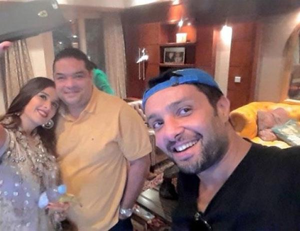 ياسمين عبدالعزيز وزوجها وشقيقها