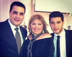 مها احمد ومجدي كامل وابنهما عادل