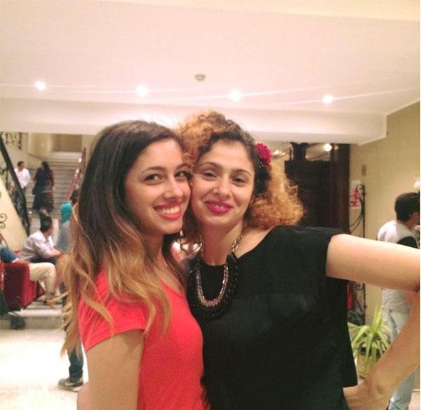 ريم احمد وشقيقتها