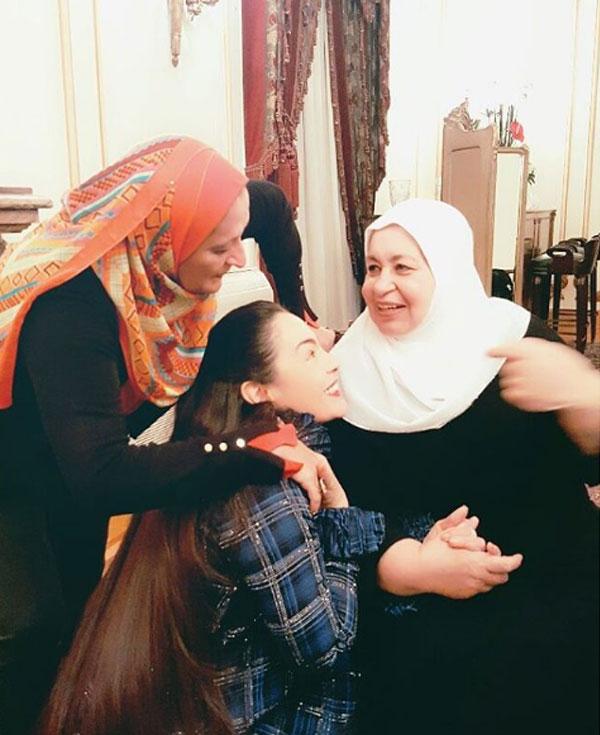 شيريهان وشقيقتها
