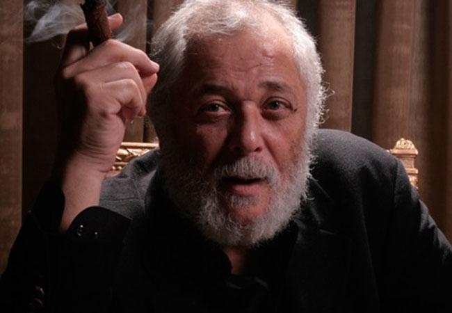 محمود عبدالعزيز - بارزة