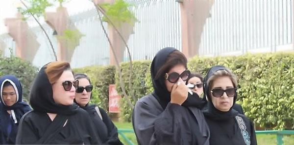 بوسي شلبي - جنازة الفنان محمود عبدالعزيز