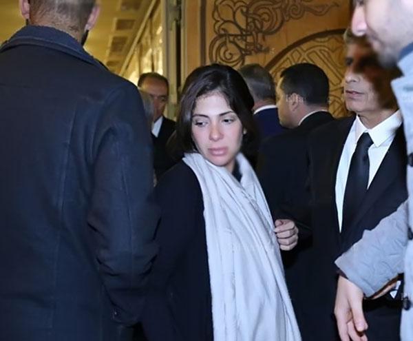 منى زكي - عزاء زوجة محمد صبحي