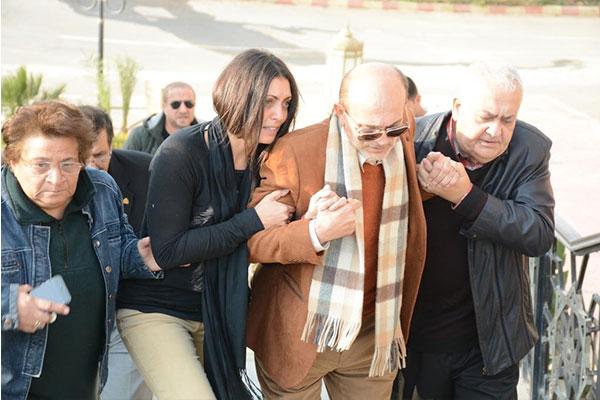 جنازة نفين رامز زوجة الفنان محمد صبحي