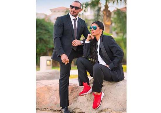 ساندي التونسية وزوجها