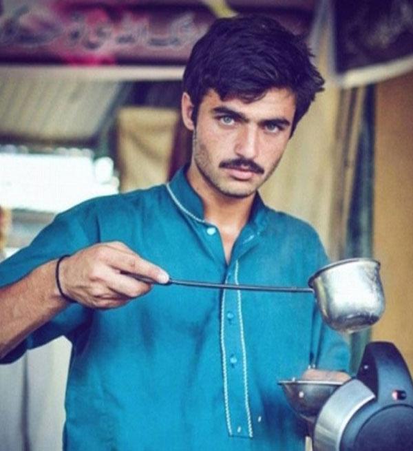 بائع الشاي أرشاد خان