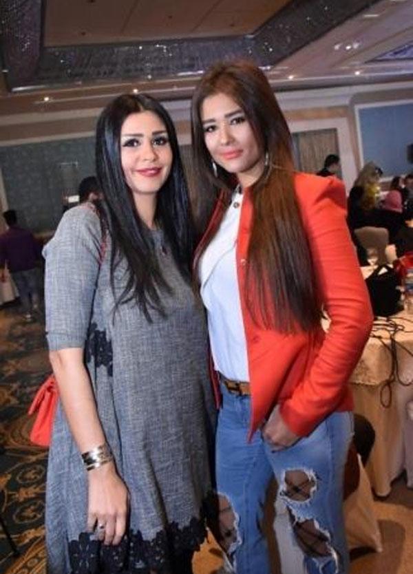 ساندي التونسية وشقيقتها إيناس
