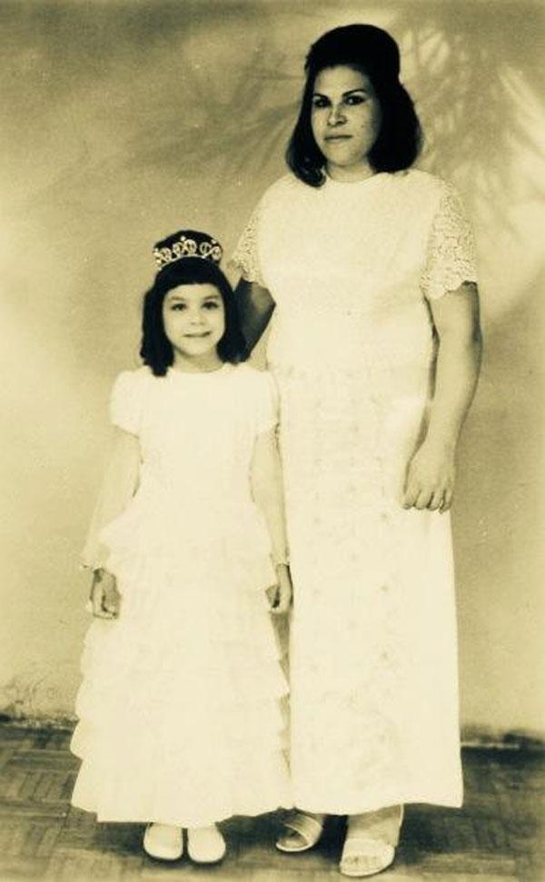 غادة ابراهيم ووالدتها