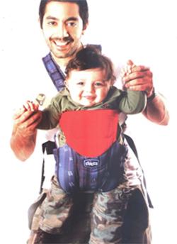 احمد فلوكس وابنه