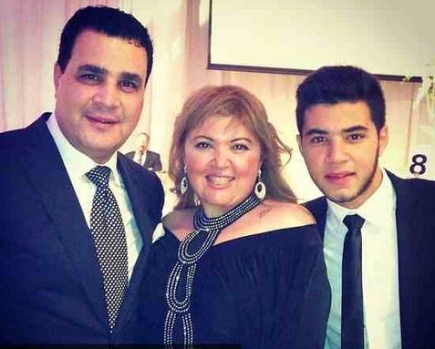مها أحمد وزوجها وابنها