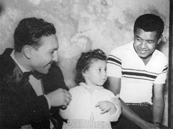 صاروخ الكوميديا عادل خيري في لقطات عائلية قبيل وفاته وهو في ريعان الشباب