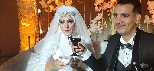 الفنان المصري سليمان عيد يحتفل بزفاف ابنته المحجبة